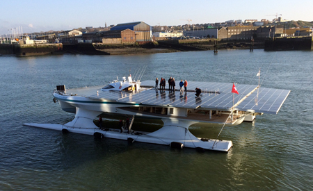 HMS Tûranor PlanetSolar à Boulogne - photo CCICO