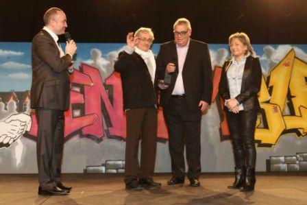Gérard Noël et Philippe Delattre reçoivent la médaille de la Ville