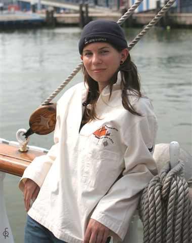 Vareuse beige et bonnet marine - photo F Quivrin